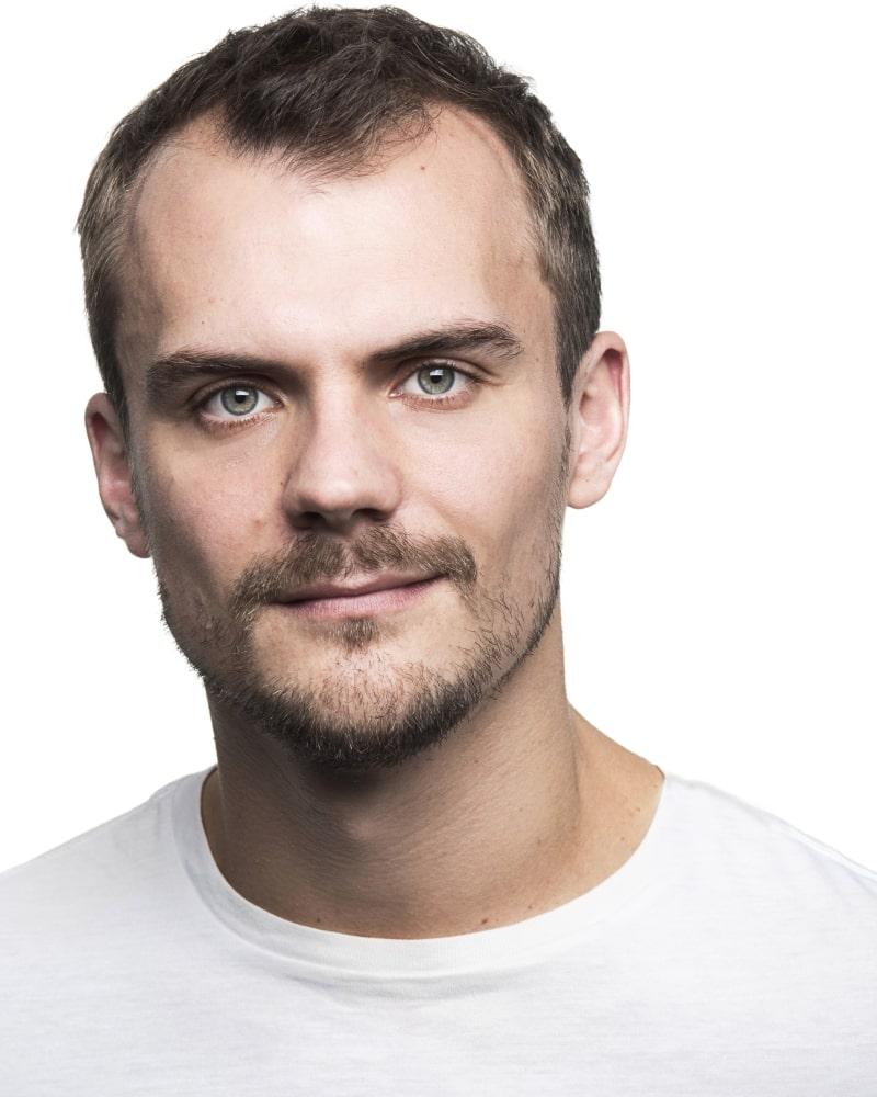 Headshot 1 (2019) of Christopher Birks - Actor